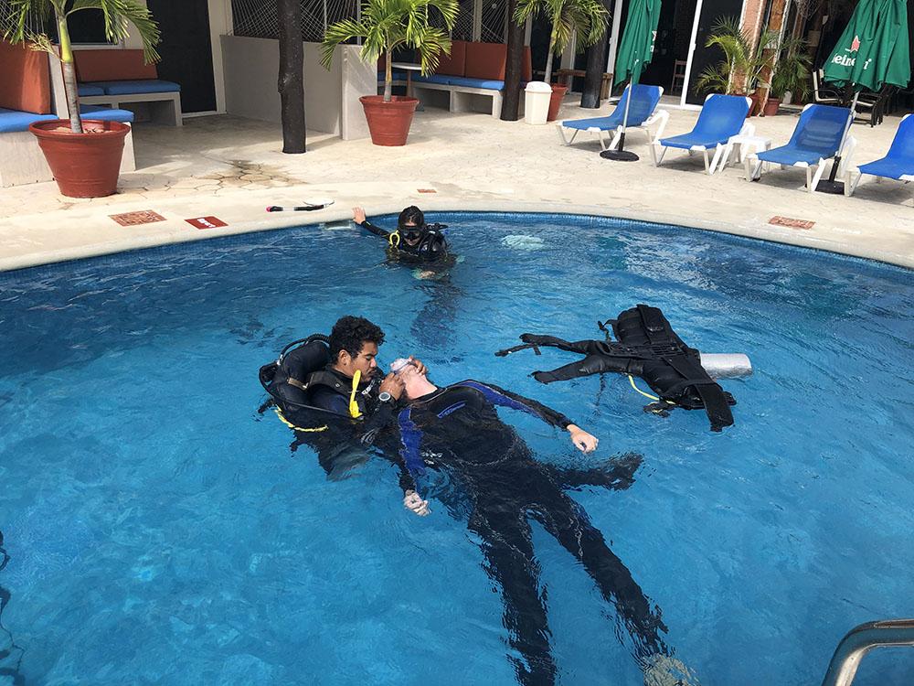 Best Padi Rescue Diver Course - Om Delfin dive shop Puerto Morelos